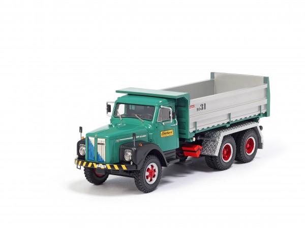 Oldtimer-Lastwagen Scania 3-Achs Kipper